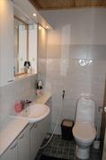 Talon toinen remontoitu wc
