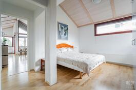 Yläkarran makuuhuone 3