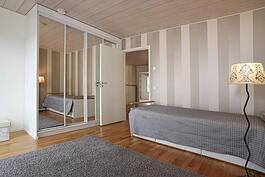 Makuuhuone 1 yläkerta.