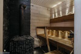 Sauna (alkuperäisellä puolella)