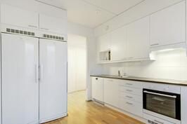 Nykyaikainen ja käytännöllinen keittiö - Modernt och praktiskt kök