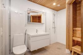 B29_kylpyhuone_sauna
