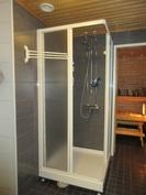 Talon kylpyhuone- ja saunatilat on myös uusittu näyttäviksi v.2011!