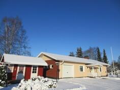 Kauniilla kulmatontilla 2010-luvulla remontoitu MUUTTOVALMIS HETI VAPAA 80-luvun talo n.2,5km ydinkeskustasta!