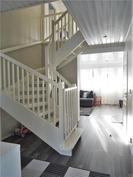 portaikkoa yläkertaan