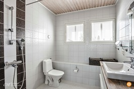 yläkerrtan wc/suihku
