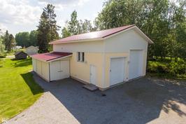 Autotalli 98 m2 + toimisto 32 m2 (maalämpö)