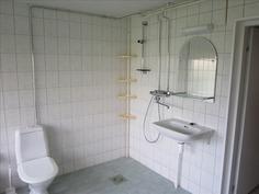 Pesuhuoneen yhteydessä WC
