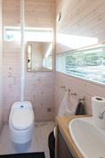 Päärakennuksen WC