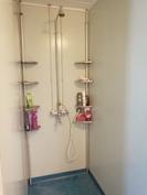 Kylpyhuone / suihku