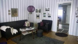 Olohuone (lattia uusittu tämän jälkeen)