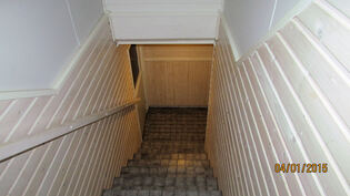 Portaat kellarikerrokseen