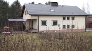 Talo tieltä päin katsottuna