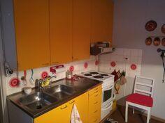 Alakerran keittiötä