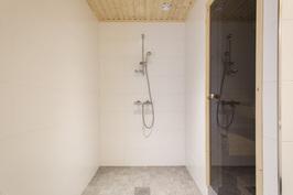 Kylpyhuone_3