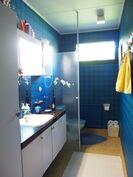 Kylpyhuone/wc (yk)
