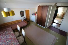 Yläkerta makuuhuone