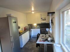 Täysin remontoitu keittiö