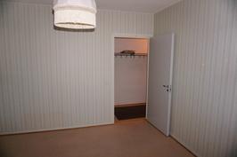 Makuuhuone ovi