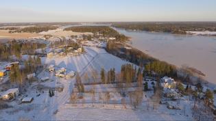 Näkymä Anttilanrannasta Tuusulanjärven reunalta kohti pohjoista, kohti Järvenpäätä.