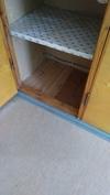 huoneissa muovimatto, lattialastulevy ja lankkulattia