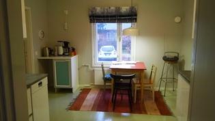 keittiö pihan puolella