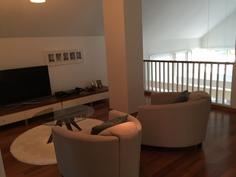Yläkerta TV huone/aula