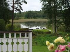 Takapihan järvinäkymä terassilta etelään