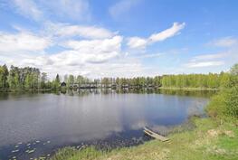 Paikka on rauhallinen ja kahden veden näkymät rauhoittavat