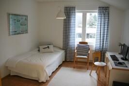 Makuuhuone 3, yläkerta