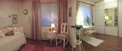 Mh.  kaksi huonetta yhdistetty, helposti muutettavissa kahdeksi eri huoneeksi