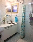 Kylpyhuone, kahdella suihkulla