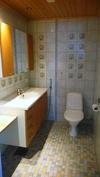 UusiPuoli- iso wc