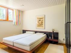 Pohjakerroksen makuuhuone