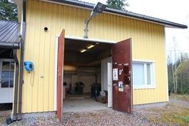 Autohalli (kuva2)