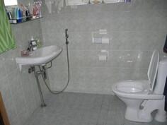 Pesuhuoneen wc ja lavuaari