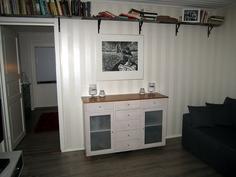 Olohuone ja käynti päämakuuhuoneeseen