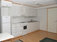 Toisen asunnon keittiö