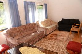 Toisen asunnon olohuone