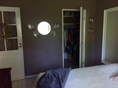 Suurin makuuhuone ja vaatehuone