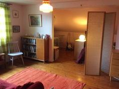 yläkerran makuuhuone 1 ja alkovi