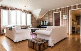 Yläkerran aula/olohuone