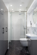 Kylpyhuone 1.
