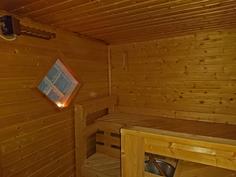 Sauna, lasitiili-ikkuna