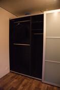 Makuuhuone, 3m leveä kaappi