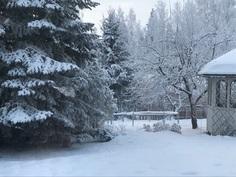 Iso puutarha on kaunis myös talvella