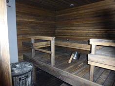 Tilava sauna puukiukaalla