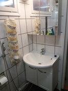 Kakkosrakennuksen kylpyhuone