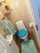 Päämakuuhuoneen pikku wc