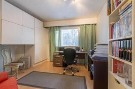 Työhuone tai makuuhuone 3